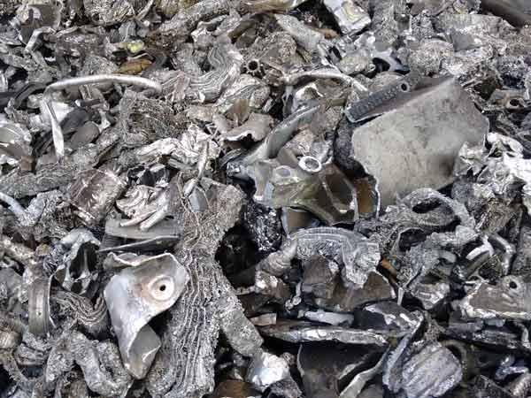 Raccolta rottami ferrosi bologna imola ritiro riciclo for Prezzo del ferro vecchio al kg