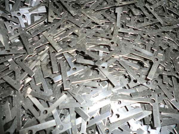 Smaltimento-acciaio-Bologna-Imola